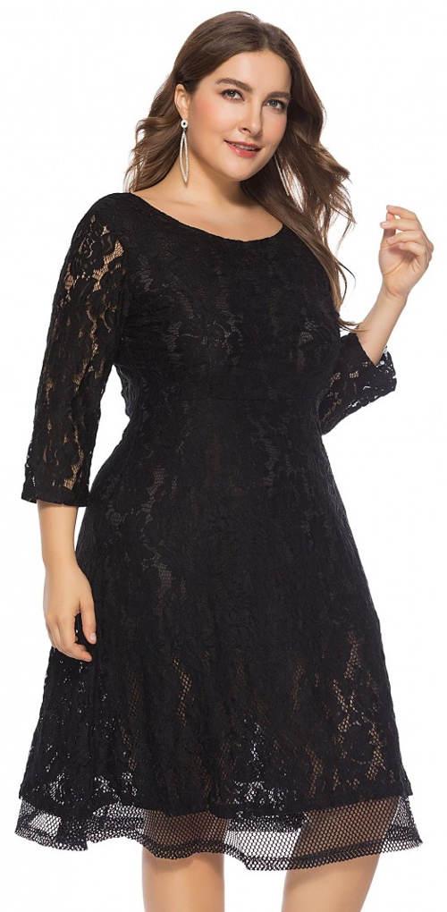 Fekete csipke rövid gömbös ruha plusz méretű