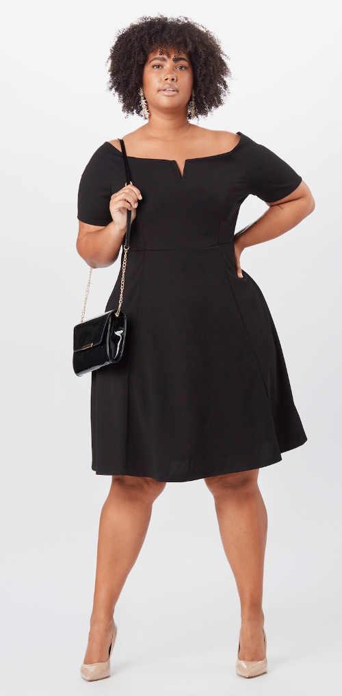 Fekete térdig érő ruha