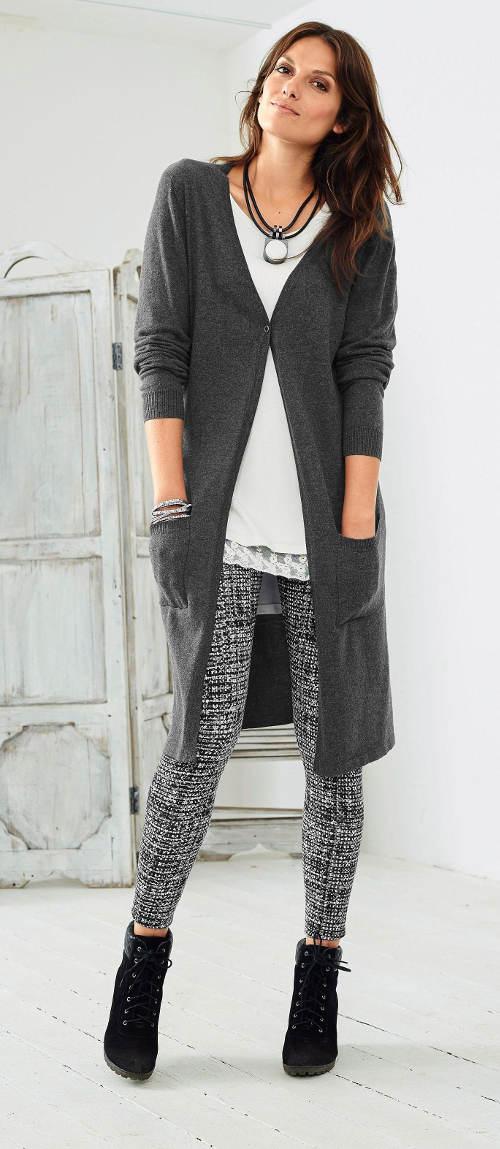 Hosszú kötött női pulóver
