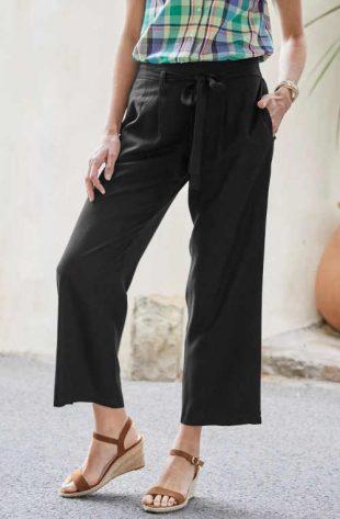 Modern 3/4 hosszú széles szárú nadrág övvel