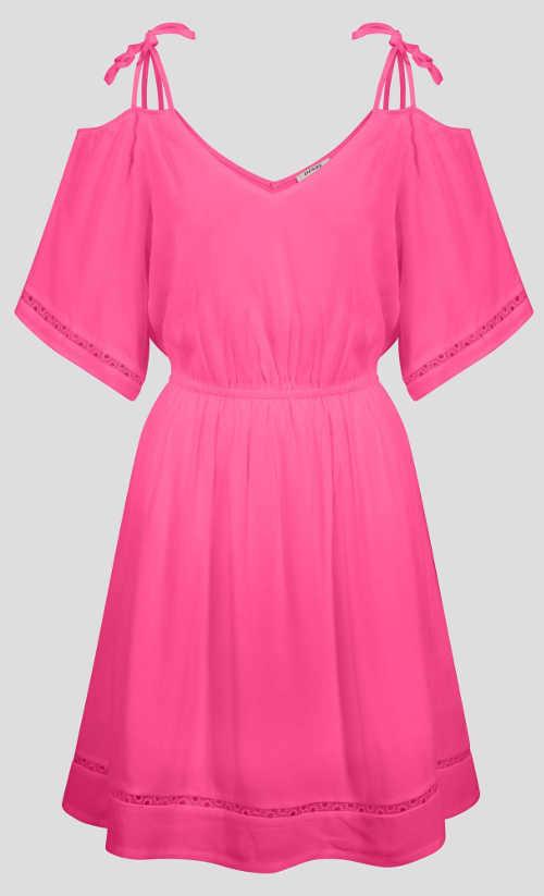 Egyszínű rózsaszín ruha ejtett vállakkal