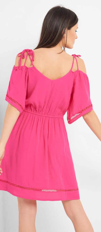 Rózsaszín nyári ruha vékony pántokkal